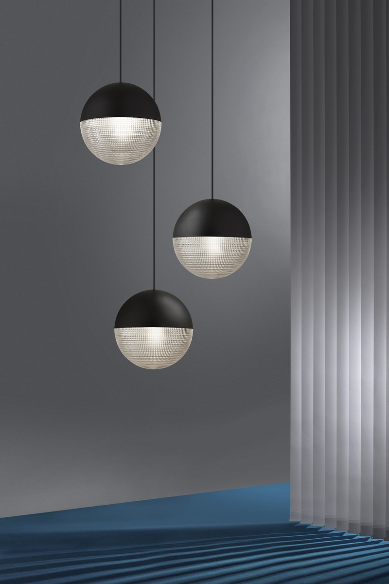See Lee Broom's Meticulous Lens Fair Lighting Piece at NYCxDesign 2018 6 nycxdesign 2018 Lee Broom Launches Spectacular Lighting Design at NYCxDesign 2018 See Lee Brooms Meticulous Lens Fair Lighting Piece at NYCxDesign 2018 6