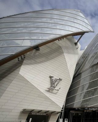 Louis Vuitton Foundation is Selecting the Best Frank Gehry Pictures
