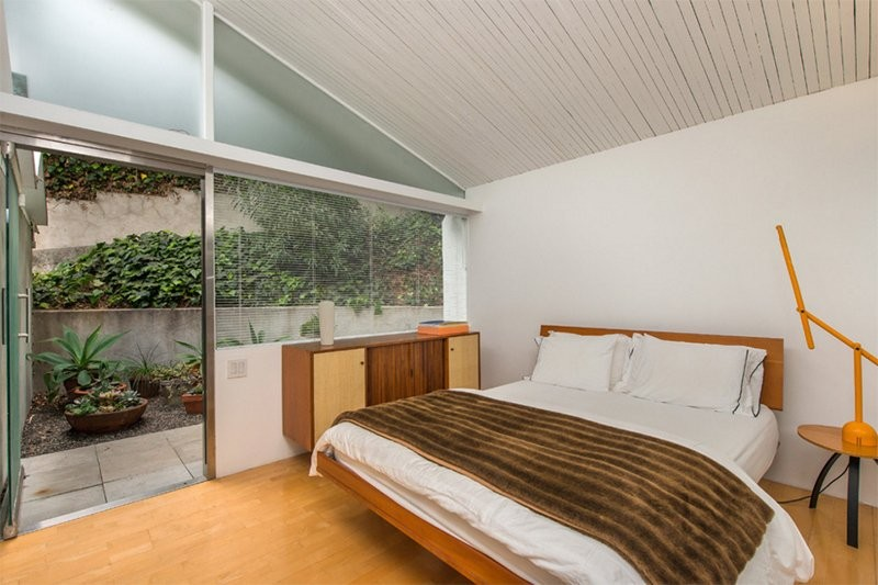 Mid-Century Modern Designs You Need to Try 6 mid-century modern bedroom 44 Mid-Century Modern Bedroom Designs You Need to Try Mid Century Modern Bedroom Designs You Need to Try 6