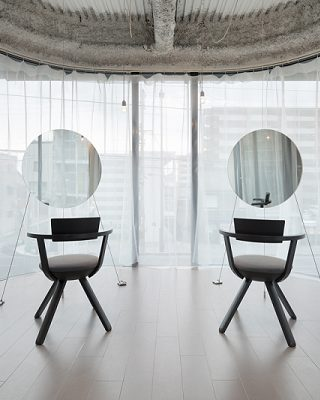 An Interior Design Project To Impress In Kyoto, Japan ➤ #covetedmagazine #luxurymagazine #luxuryliving #interiordesign #homedecor #milandesignweek2019 #salonedelmobile2019 #isaloni2019 #maisonetobjet ➤ www.covetedition.com ➤ @covetedmagazine @bocadolobo @delightfulll @brabbu @essentialhomeeu @circudesign @mvalentinabath @luxxu @covethouse_ @rug_society @pullcast_jewelryhardware @bybrabbucontract