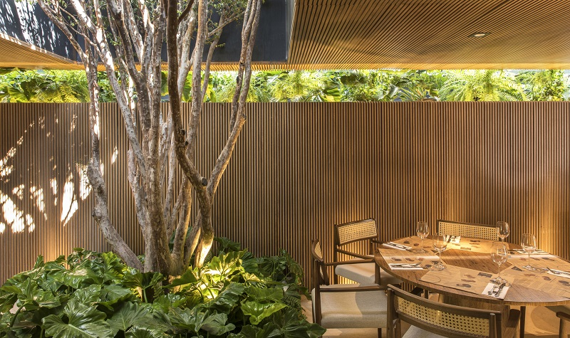 Best Design Projects: Restaurant Tartuferia San Paolo By MF Arquitetos ➤ #covetedmagazine #luxurymagazine #luxuryliving #interiordesign #homedecor #milandesignweek2019 #salonedelmobile2019 #isaloni2019 #maisonetobjet ➤ www.covetedition.com ➤ @covetedmagazine @bocadolobo @delightfulll @brabbu @essentialhomeeu @circudesign @mvalentinabath @luxxu @covethouse_ @rug_society @pullcast_jewelryhardware @bybrabbucontract best design projects Best Design Projects: Restaurant Tartuferia San Paolo By MF Arquitetos Best Design Projects Restaurant Tartuferia San Paolo By MF Arquitetos 9