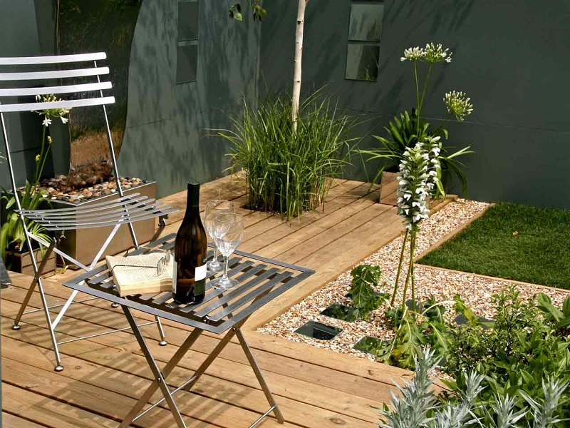 Top Garden Trends For 2018 To Revamp Your Luxury Outdoor Living Spaces ➤ #covetedmagazine #luxurymagazine #luxuryliving #interiordesign #homedecor #milandesignweek2019 #salonedelmobile2019 #isaloni2019 #maisonetobjet ➤ www.covetedition.com ➤ @covetedmagazine @bocadolobo @delightfulll @brabbu @essentialhomeeu @circudesign @mvalentinabath @luxxu @covethouse_ @rug_society @pullcast_jewelryhardware @bybrabbucontract Top Garden Trends For 2018 Top Garden Trends For 2018 To Revamp Your Luxury Outdoor Living Spaces Top Garden Trends For 2018 To Revamp Your Outdoor Refuge 1