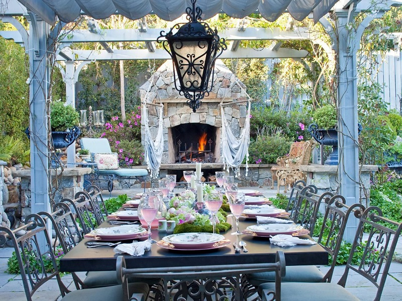 Top Garden Trends For 2018 To Revamp Your Luxury Outdoor Living Spaces Top Garden Trends For 2018 Top Garden Trends For 2018 To Revamp Your Luxury Outdoor Living Spaces Top Garden Trends For 2018 To Revamp Your Outdoor Refuge 3