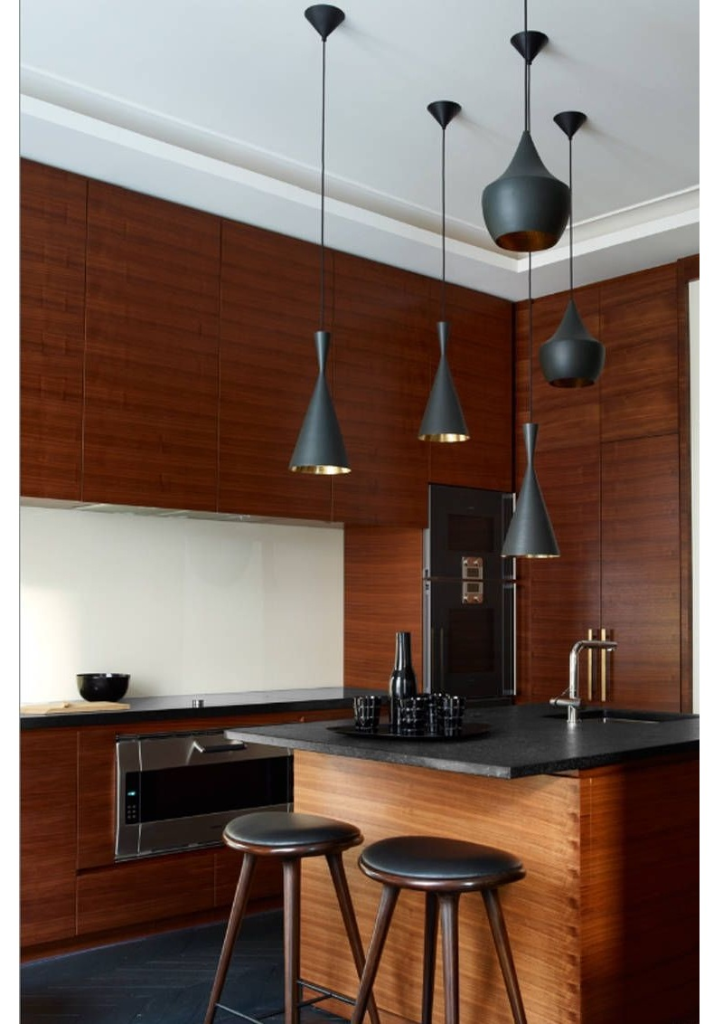 Be Inspired By The Most Amazing Small Kitchen Design Ideas ➤ #covetedmagazine #smallkitchendesignideas #smallkitchendecorideas #interiordesignprojects #inspirations ➤ www.covetedition.com ➤ @covetedmagazine @bocadolobo @delightfulll @brabbu @essentialhomeeu @circudesign @mvalentinabath @luxxu @covethouse_ @rug_society @pullcast_jewelryhardware @bybrabbucontract small kitchen design ideas Be Inspired By The Most Amazing Small Kitchen Design Ideas Be Inspired By The Most Amazing Small Kitchen Design Ideas 2