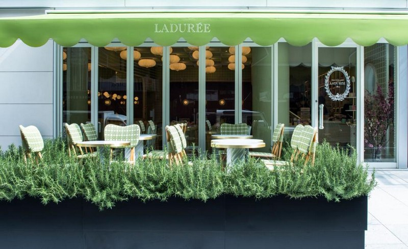 India Mahdavi Gives Whimsical Parisian Twist to Ladurée's Tokyo Salon 3