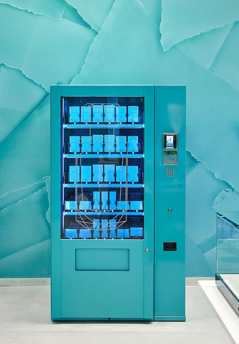 Tifanny & Co Just Opened the Chicest Vending Machine Ever in London chicest vending machine Tiffany & Co Just Opened the Chicest Vending Machine Ever in London Tifanny Co Just Opened the Chicest Vending Machine Ever in London 1