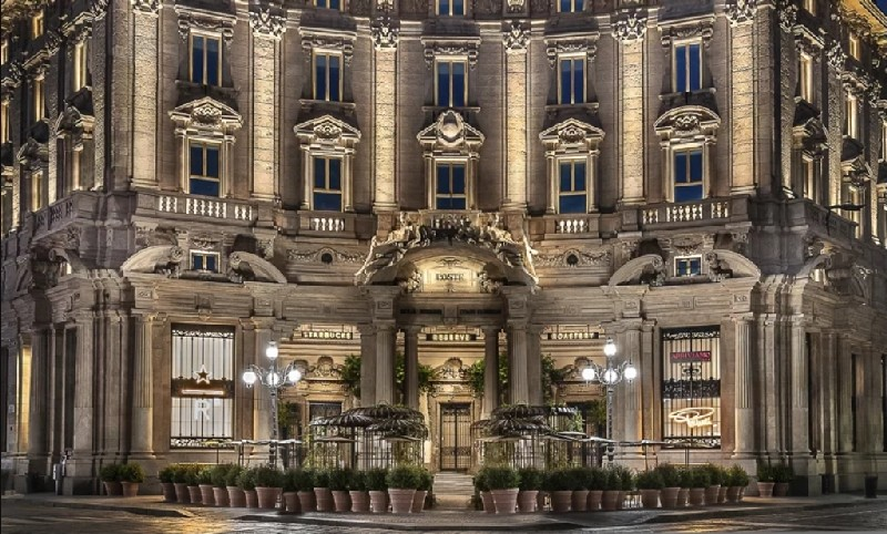 Discover Italy's First Starbucks and Its Amazing Interiors amazing interiors Discover Italy's First Starbucks and Its Amazing Interiors Discover Italys First Starbucks and Its Amazing Interiors 2