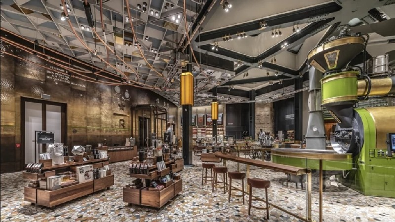 Discover Italy's First Starbucks and Its Amazing Interiors amazing interiors Discover Italy's First Starbucks and Its Amazing Interiors Discover Italys First Starbucks and Its Amazing Interiors 3