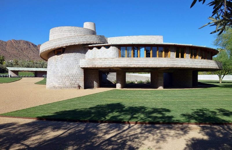 Frank Lloyd Wright-Designed Spiralling House Is an Architectural Gem 4