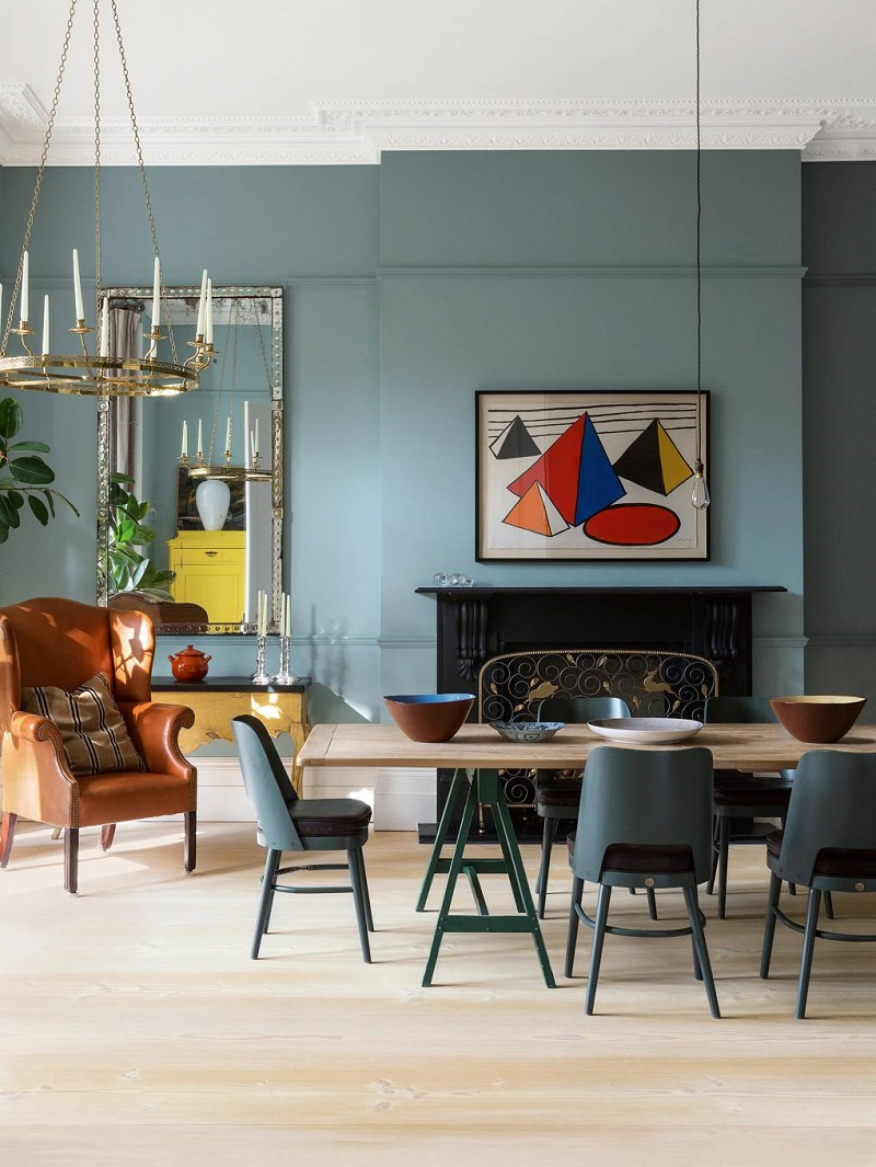 Scandinavian Design Trends at a 1860s Italianate House in London ➤ #covetedmagazine #interiordesign #homedecor #luxuryinteriors #homeinteriordecor #scandinaviandesigntrends #scandinaviandesign #postmoderndiningroomtables ➤ www.covetedition.com ➤ @covetedmagazine @bocadolobo @delightfulll @brabbu @essentialhomeeu @circudesign @mvalentinabath @luxxu @covethouse_ @rug_society @pullcast_jewelryhardware @bybrabbucontract