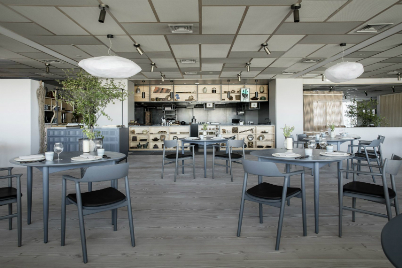 Inua, A Restaurant That Blends Japanese and Scandinavian Design Trends scandinavian design Inua, A Restaurant That Blends Japanese and Scandinavian Design Trends Tokyos New Restaurant Blends Japanese and Scandinavian Design Trends 2