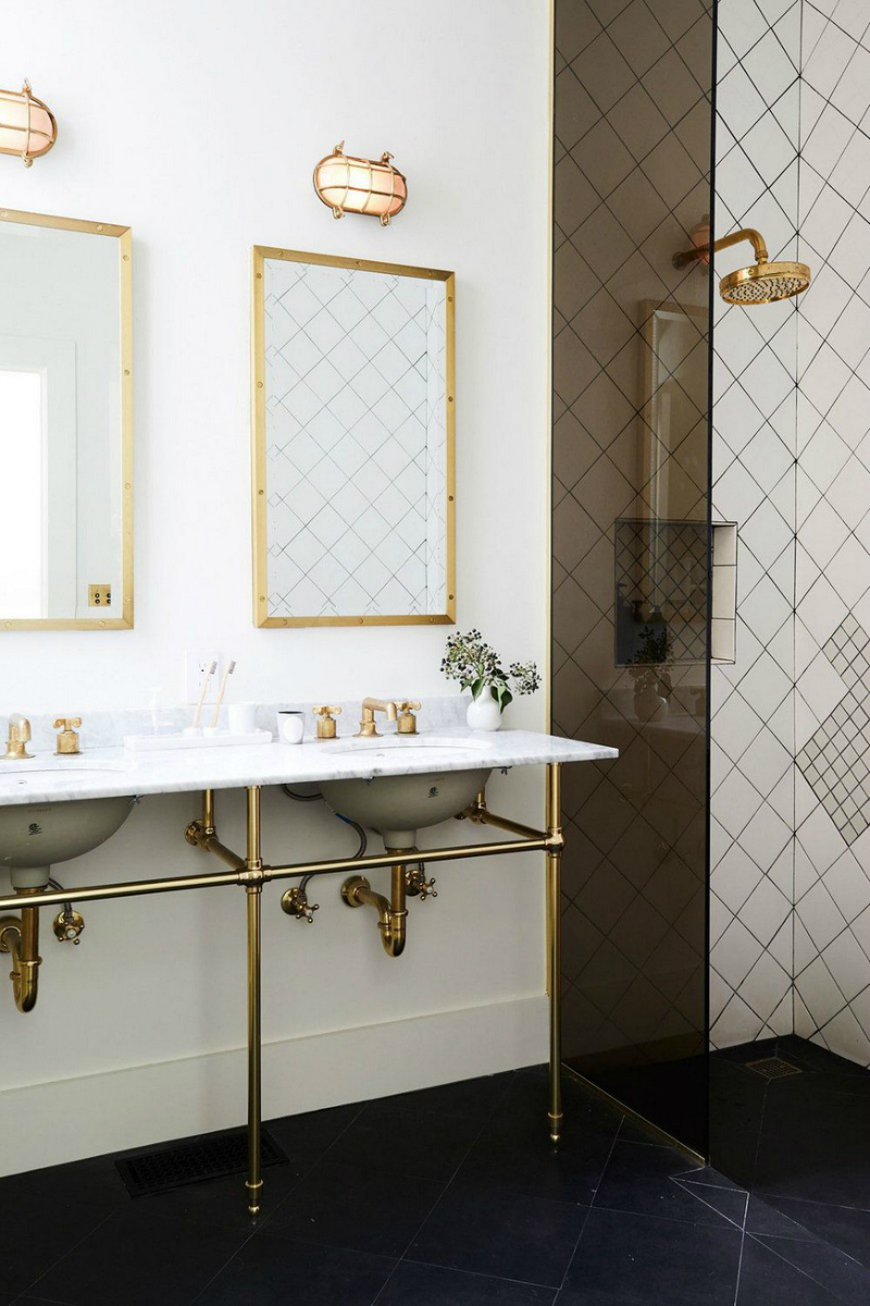 Be Amazed by Unique Bathroom Ideas Where Brass Plays the ...