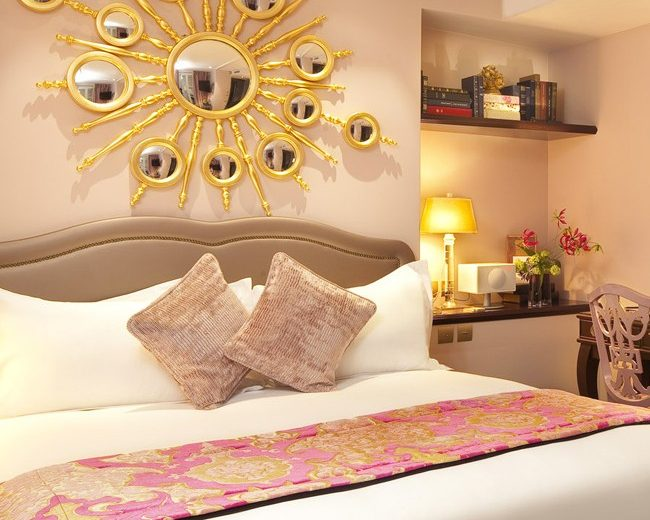 Learn how to add some Gold Elements into your Bedroom Decor