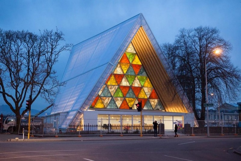 Get to Know Shigeru Ban, An Incredible Japanese Architect
