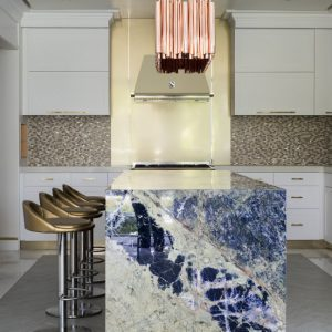 5 Modern Dining Chairs To Revamp Your Luxury Kitchen Decor 1.jpg