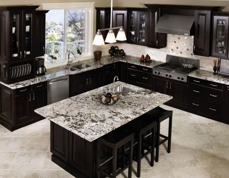 Lets-Take-a-Look-at-Some-Incredible-Black-Finishes-for-Kitchens_5