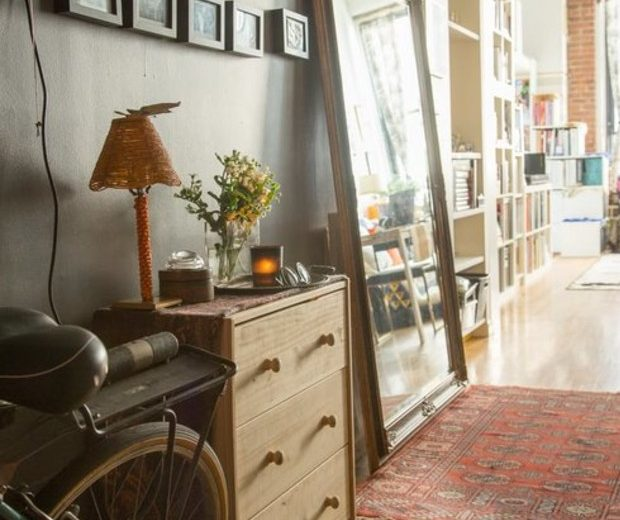 Inside this Lovely Vintage Home Home by Peti Lau!