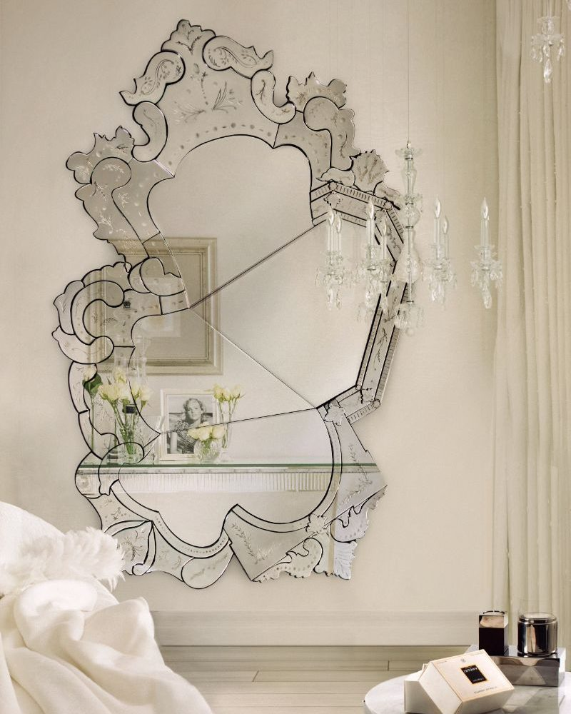10 Unique Oversized Mirrors for Master Bedrooms