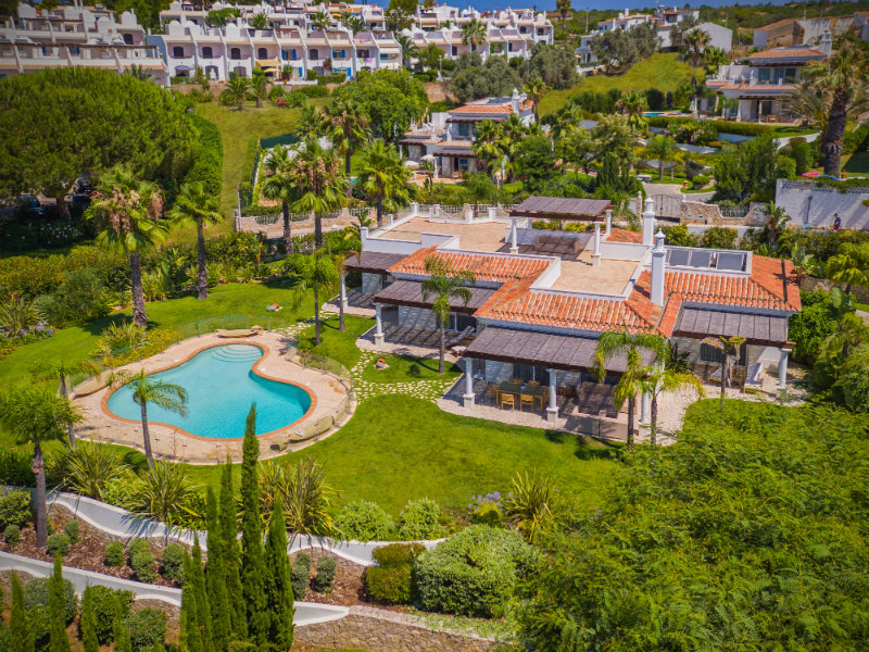 Vila Vita Hotel: Luxury, Elegant and Secluded Getaway in the Algarve   Vila Vita Hotel: Luxury, Elegant and Secluded Getaway in the Algarve Villa Al Mar Building and garden