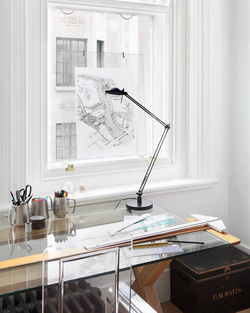 MAKE YOUR HOME OFFICE A GLAMOROUS REFLECTION OF WHO YOU ARE