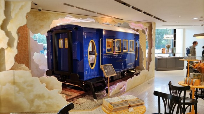 ORIENT EXPRESS BED: EMBARK ON A TRIP THAT WILL STEAM YOUR DREAMS