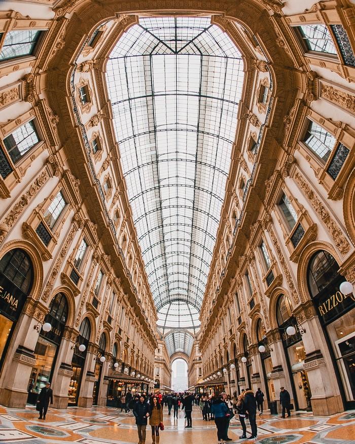 GUIDE TO MILAN